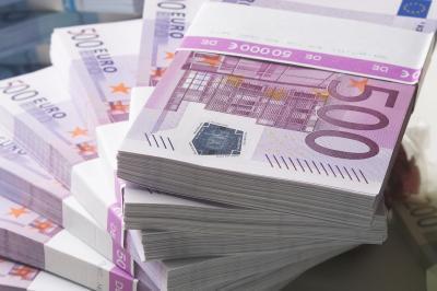 12 milliards d'euros, cachés en Suisse, découverts par le fisc, jackpot, avoirs non déclarés, riches, actualités, 38.000 comptes, banque UBS, Suisse, gouvernement, argent,