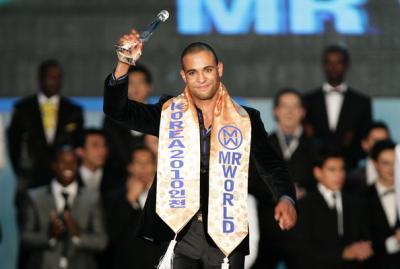 homme plus beau, du monde, Kamal Orlando Ibrahim, Mister World, Incheon, irlandais, trophée, origine marocaine,