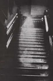 meilleurs photos, apparition de fantôme, étrange, paranormal, vision, illusion, manifestation surnaturelle, poltergeist, personne décédée, énergie,
