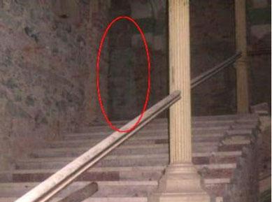 fantôme, hôtel Decebal, Baile Herculane, Roumanie, étrange, paranormal, attraction, télévision, journaux, photo, spectre, femme, robe blanche, trésor caché, fondations,