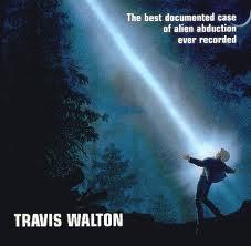 enlèvement extraterrestre, Travis Walton, étrange, paranormal, désorienté et déshydraté, ovni, disque métallique, coupole, puissante lueur, rayon lumineux bleuté,