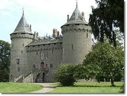 fantômes, château de Combourg, énigmatique, étrange, paranormal, esprit, expérience, temps passé, Chateaubriant, légende, spectre, jambe de bois, apparition, chat noir, emmuré vivant,