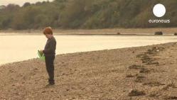 enfant, bouteille jetée à la mer, insolite, Irlande, plage, il y a 8 ans, Charlaine, Claudia, lettre, rentré en contact, deux filles du Québec,
