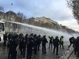 Crs force de lordre gilets jaunes