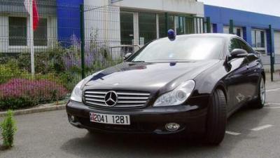 des gendarmes roulent, en coupé Mercedes, confisqué, chauffard, insolite, brigade d'intervention, voiture banalisée, pilotage, excès de vitesse,