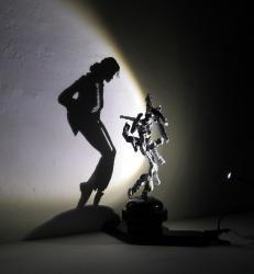 Diet Wiegman, sculptures de lumière, insolite, artiste, vidéo, oeuvre, Shadow Dancing, roi de la pop, Michael Jackson, jeu d'ombre et lumière,