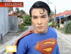 Herbert Chavez, 15 ans, chirurgie, ressembler à Superman, insolite, derniers descendants, planète Krypton, Philippines, héros, scalpel, bistouri, bloc opératoire,