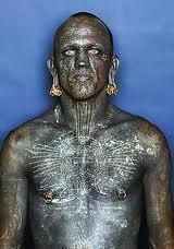 l'homme, le plus tatoué, du monde, insolite, tout son corps, intérieur du prépuce, Lucky Diamond Rich, bouche, oreilles,