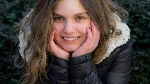 Laura 12 ans et harcelee sur facebook
