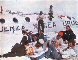 les survivants, naufragés des andes, rescapés, survie, extraordinaires, crash avion, rugby de Montevideo, s'écrase, équipage, passagers, histoire, insolite,