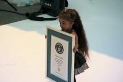 femme, plus petite, du monde, insolite, indienne, Jyoti Amge, 62,8 cm, hauteur, Nagpur, Inde, record du monde, prédécesseur, Bridgette Jordanie,