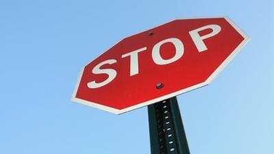 Nouveau radar sur les panneaux stop 1