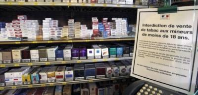 Paquet de cigarettes soit porte a 10 euros