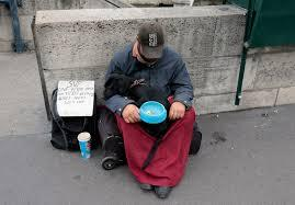 Pauvrete mal logees sans domicile histoire sans abri crise triste france logement sdf marchand de sommeil familles
