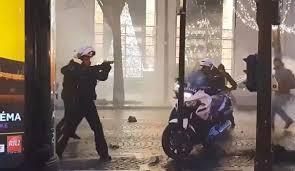 Policiers agresses a paris