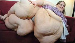 plus grosse, femme, du monde, insolite, 340 kilos, se goinfrer, Susanne Eman, séance de photo,